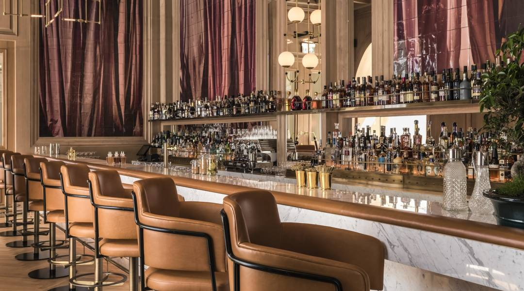 Raffles Europejski Warsaw long bar