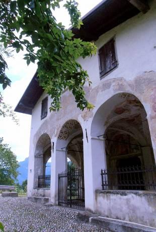 Ponte Caffaro kościół San Giacomo