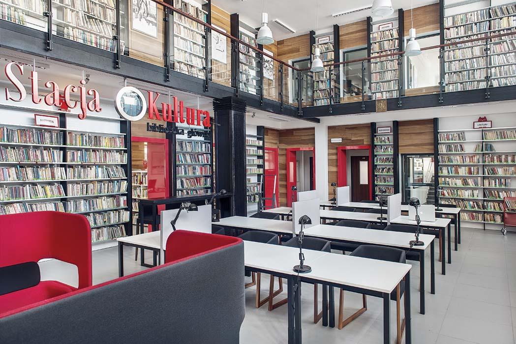 Stacja Kultura - pociąg do książek w Rumii