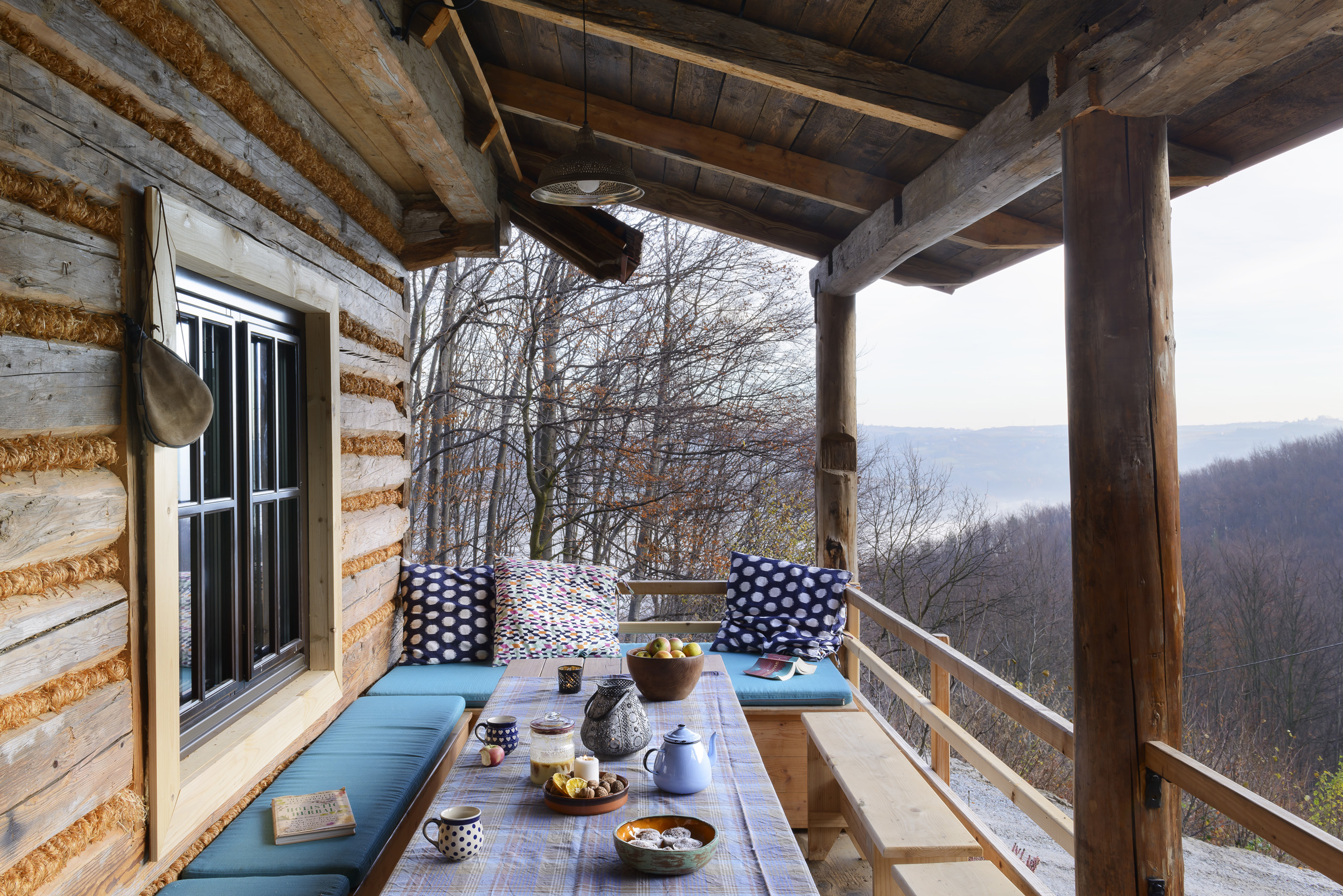 Chata Miłośliwka – drewniany dom z czterech chałup
