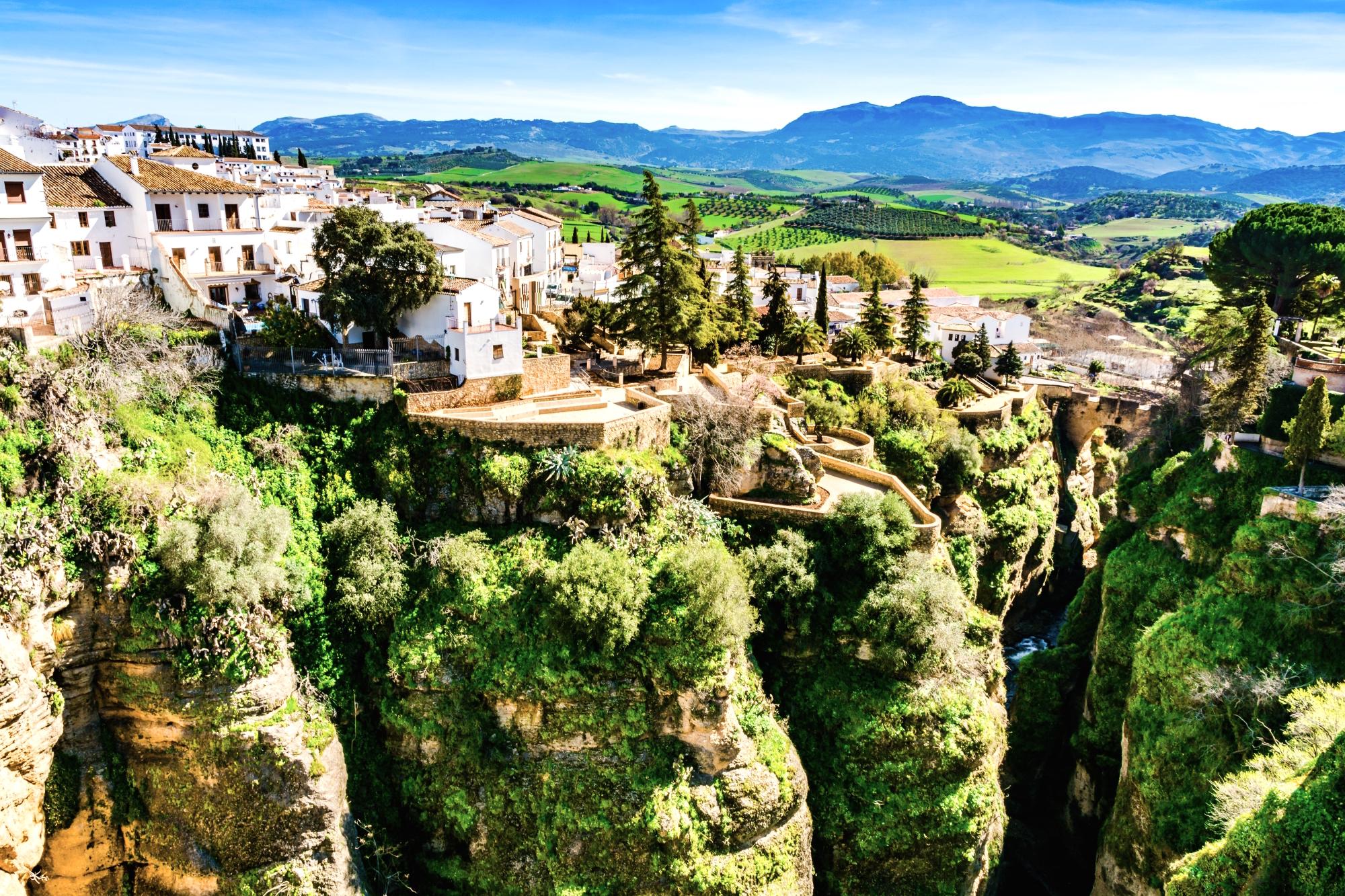 Marzysz o słońcu przez cały rok? Kup opuszczoną wioskę w Hiszpanii lub Portugalii